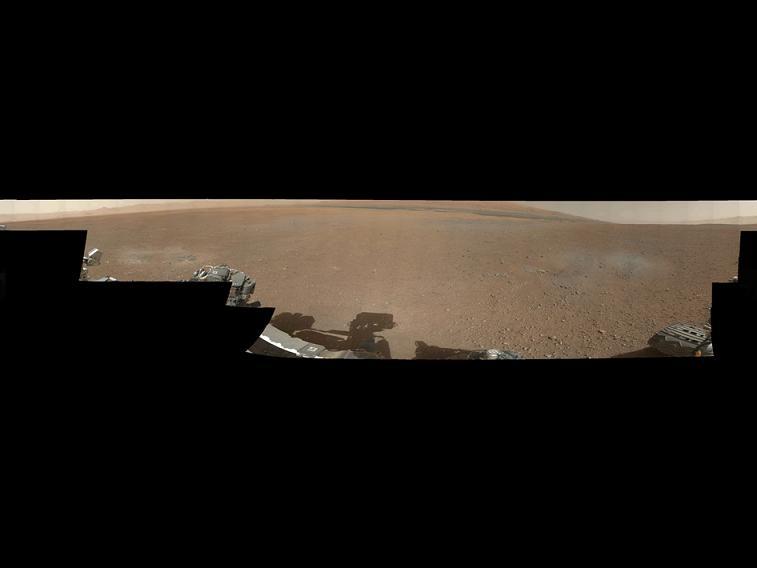 Dies ist das erste 360-Grad Panorama Farbbild vom Gale Crater, das vom NASA's Curiosity Rover aufgenommen wurde. Bild: NASA / JPL-Caltech/MSSS